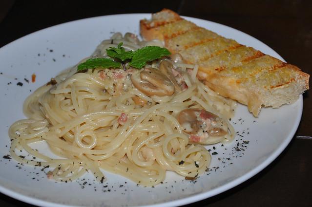 Stone House Cafe Pasta Alfredo