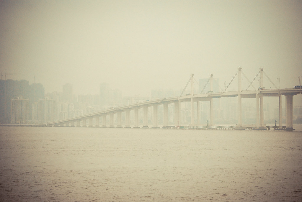 Governor Nobre de Carvalho Bridge, Macau