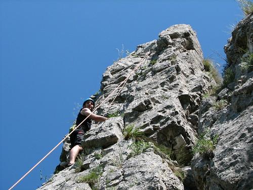 Alex cățărând