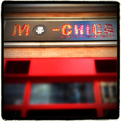 Mo Chica on 7th