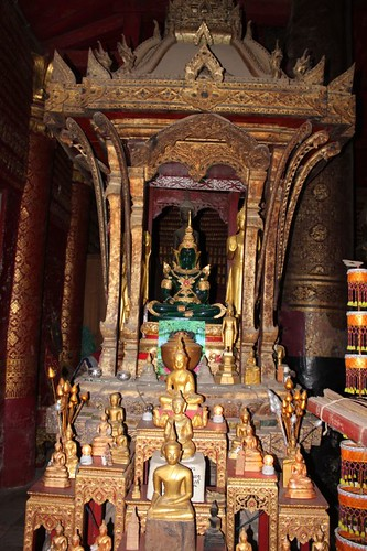 20120127_2749_Wat-Mai-Buddha