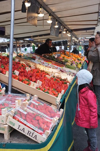 shopping big time at the Marché Maubert