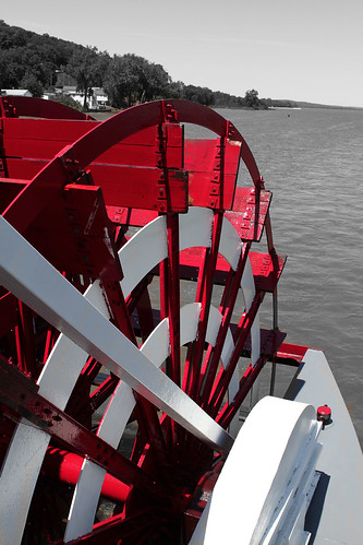 redpaddleboatwheel