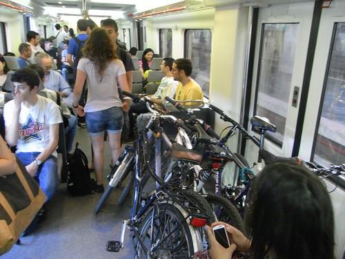 Bicicletas en el tren a Rabanales.
