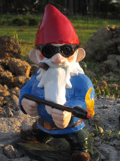 Make flickr pool weekly roundup make for Combat garden gnomes