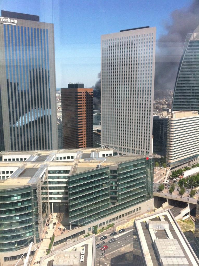 Incendie à la Défense par Sébastien Michel