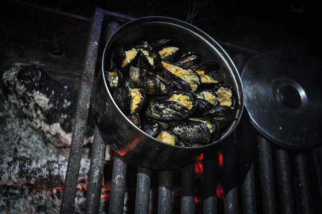 Stuffed mussel grill