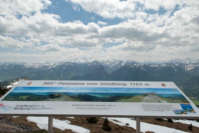 沒想到這裡可以看到昨天去的冰洞那座山,原來他這麼高,難怪會有萬年冰河了