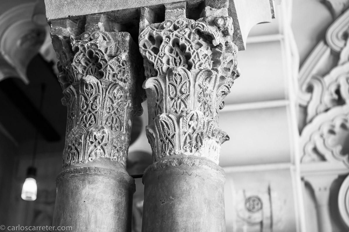 Capiteles