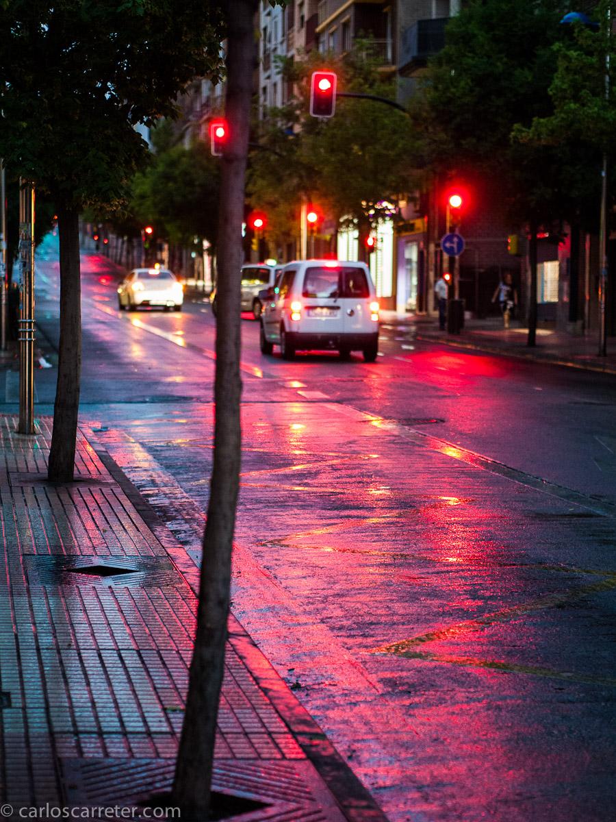 Avenida en rojo