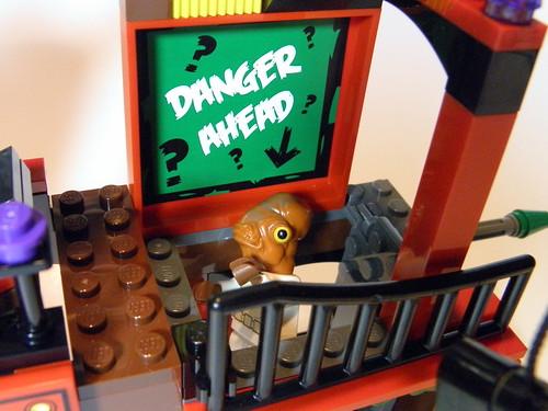 6857 Funhouse Riddler trap door