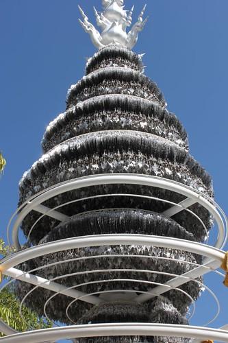 20120119_2020_votive-pyramid