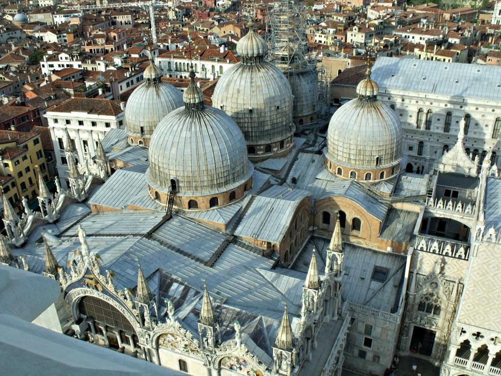 O Campanário de São Marcos, Veneza, Itália.