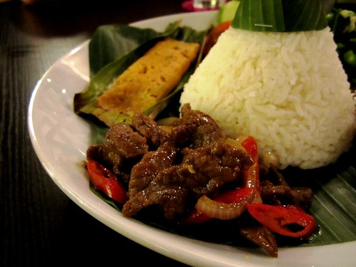 CafeInd nasi tumpeng - fried beef