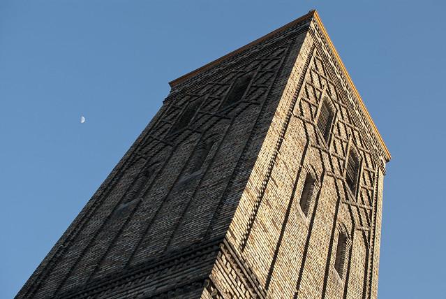 la tour de briques