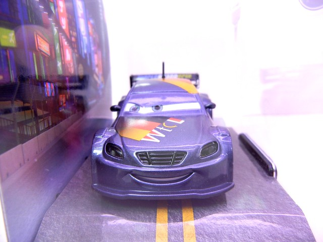 disney store cars 2 max schnell (2)