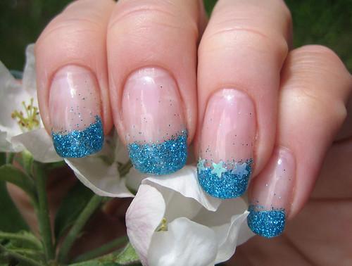 turkoosit-glitterit-geelien-alla