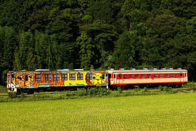キハ37100-03+キハ2005、阿字ヶ浦行き