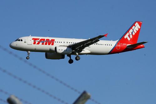 TAM | Airbus A320 @ SBGR