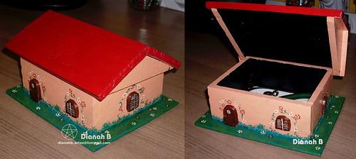 CUSTOMIZAÇÃO - Casa-caixa de madeira by Dianah B.