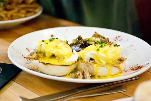 ham shank eggs benedict