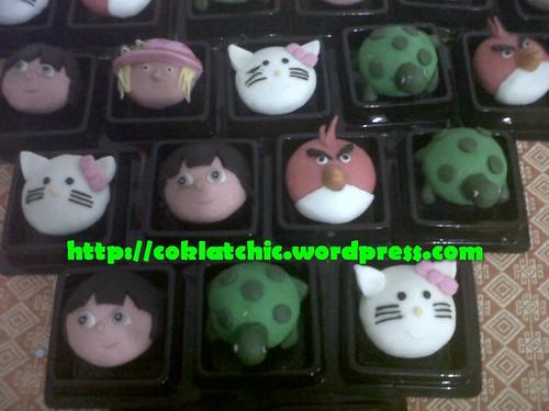 Minicupcake angry bird merah, minicupcake hello kitty, minicupcake Dora, minicupcake kura-kura, minicupcake strawberry shortcake