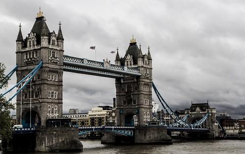 Nellu Mazilu, Tower Bridge, London