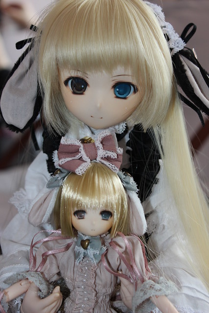 Meo's custom Obitsu twins