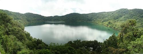 Laguna de Ipala by Fernando Reyes Palencia