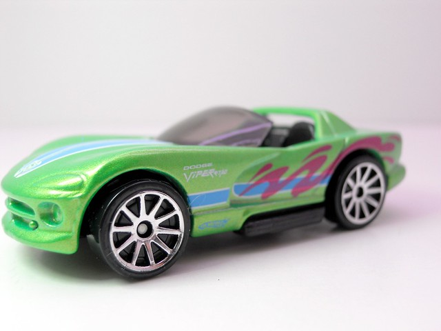 hot wheels cars of the decade dodge viper (2)