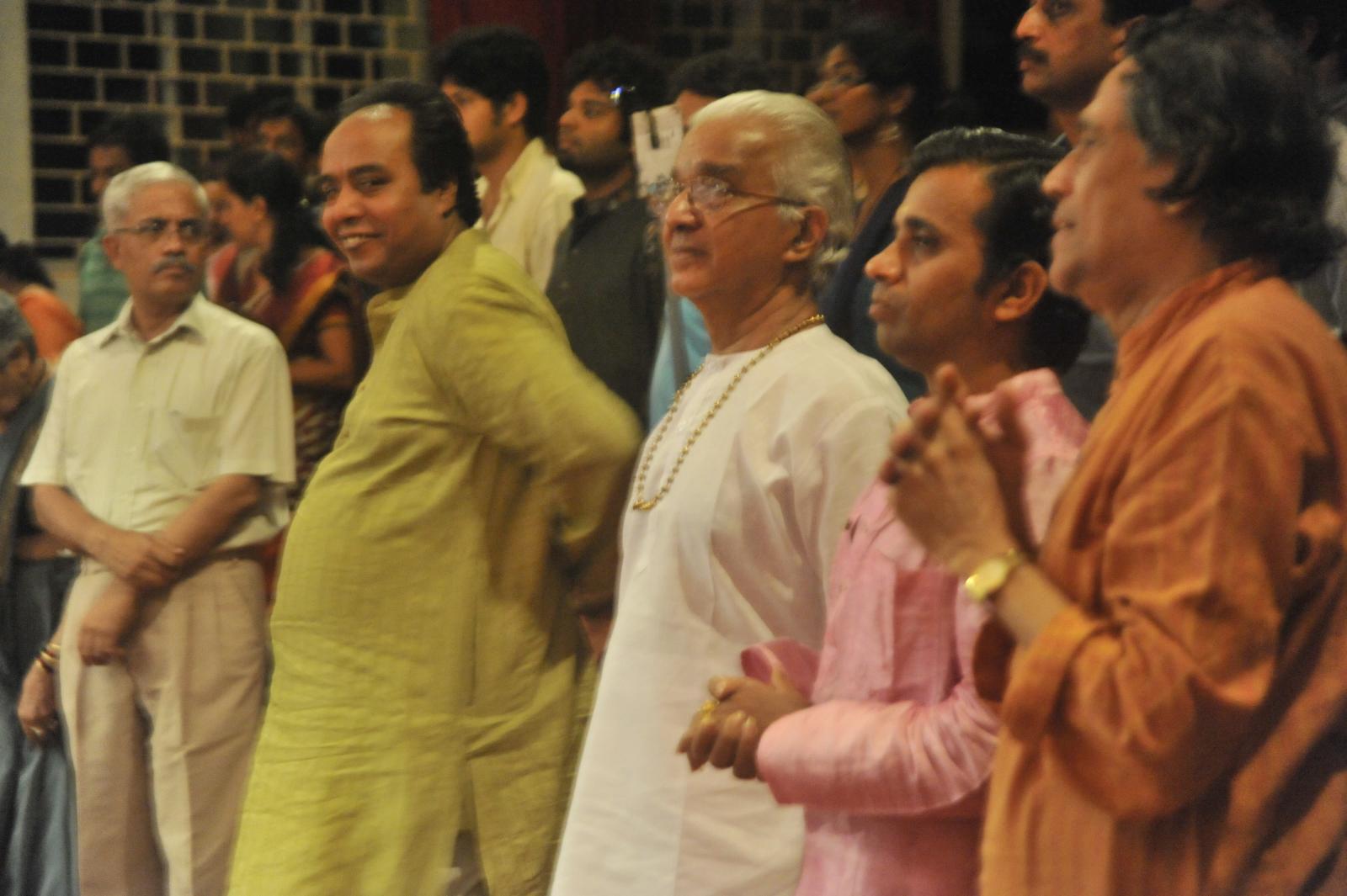 Gurus too applaud  - Vid. T N Sheshagopalan ( Carnatic Vocal)