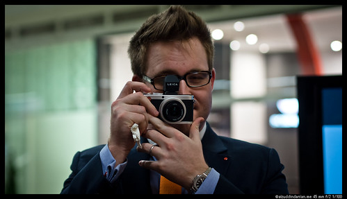 The Leica X2