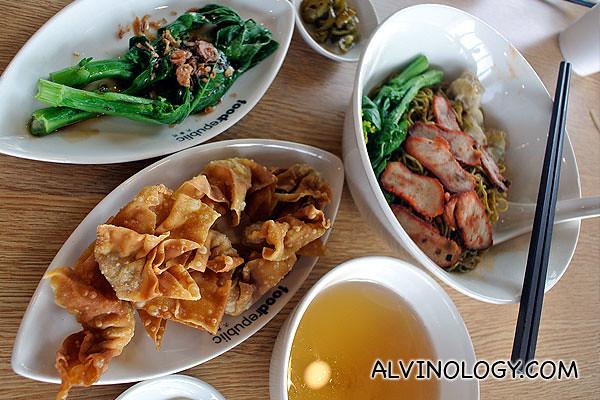 Cho Kee Wanton Noodle - Fried Dumpling Spinach Noodle