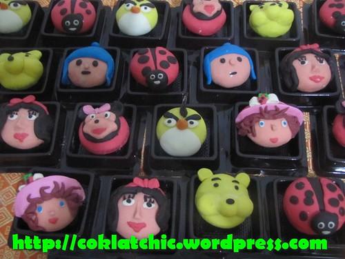 Minicupcake princess snow white,minicupcake angry bird kuning,minicupcake pocoyo,minicupcake kepik,minicupcake strawberry shortcake,minicupcake minnie mouse, minicupcake angry bird hitam