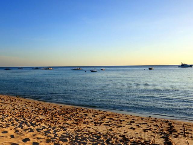 Shangri-La's Boracay Resort & Spa- beach-001