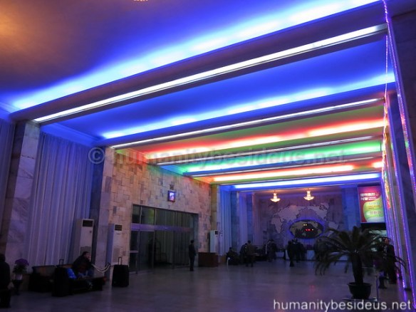 Ryanggang hotel lobby, Pyongyang