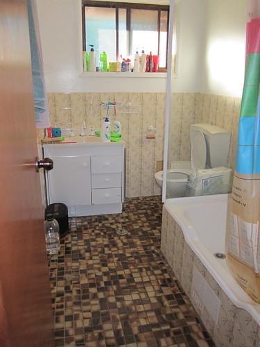 Upstairs bathroom, before.
