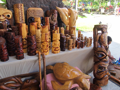Tiki carver at The Westin Princeville
