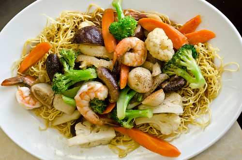 Egg Noodle with Vegetables and Seafood