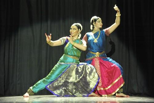 Bharatanatyam Duet : 'Raghava Yadava' - Aparna Chitharanjan and Preethi Nedumaran by Vasu..