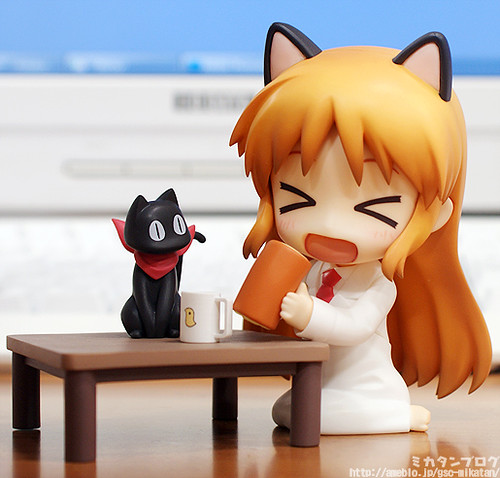 Nendoroid Hakase and Sakamoto (the cat)