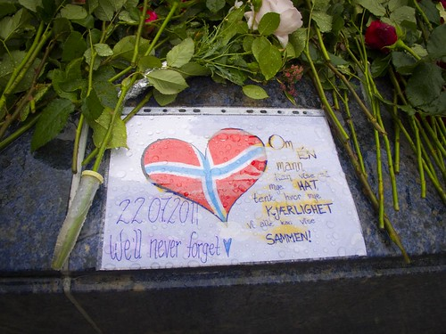 141 Homenaje víctimas Utoya en Bergen