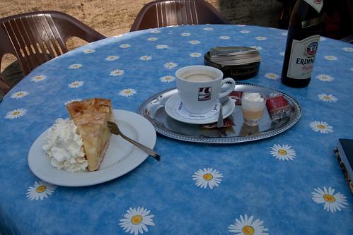 Kuchen, Kaffee - und Eierlikör!