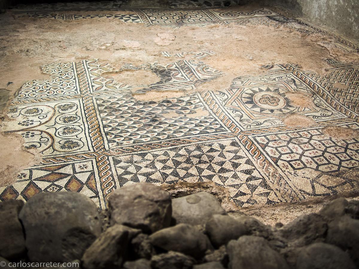 Mosaicos en el conjunto arqueológico paleocristiano