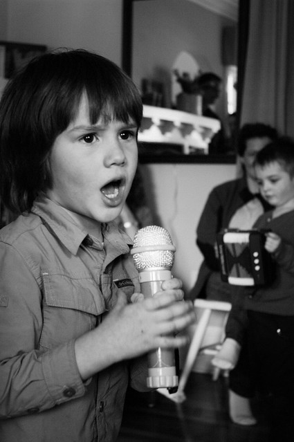 sadie's 5th birthday jonah singing 2 B&W