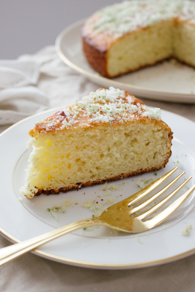 Olive oil, yoghurt and lime cake