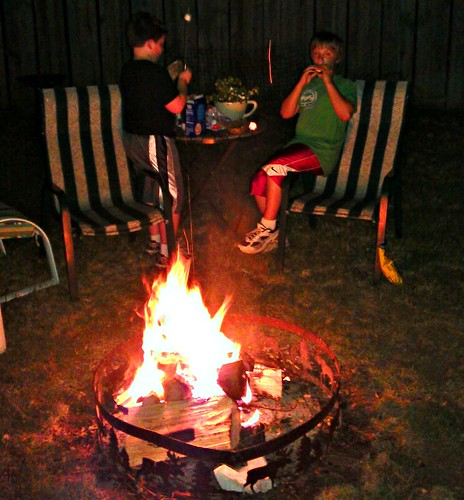 S'mors with My Boys by<br /><br /><br /><br /><br /><br /> ROIHUNTER