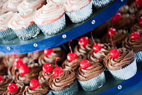 MMmmmmm Wedding Cupcakes!!!