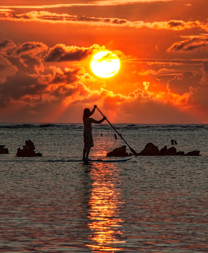 Paddleboard in Hawaii by Stuck in Customs