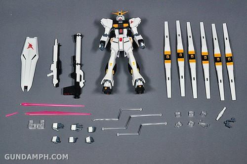 Robot Damashii Nu Gundam & Full Extension Set Review (13)